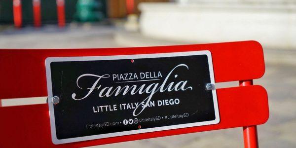 Piazza Della Famiglia chair
